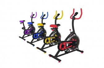 We R Sports C100, un vélo d'appartement efficace au look punchy